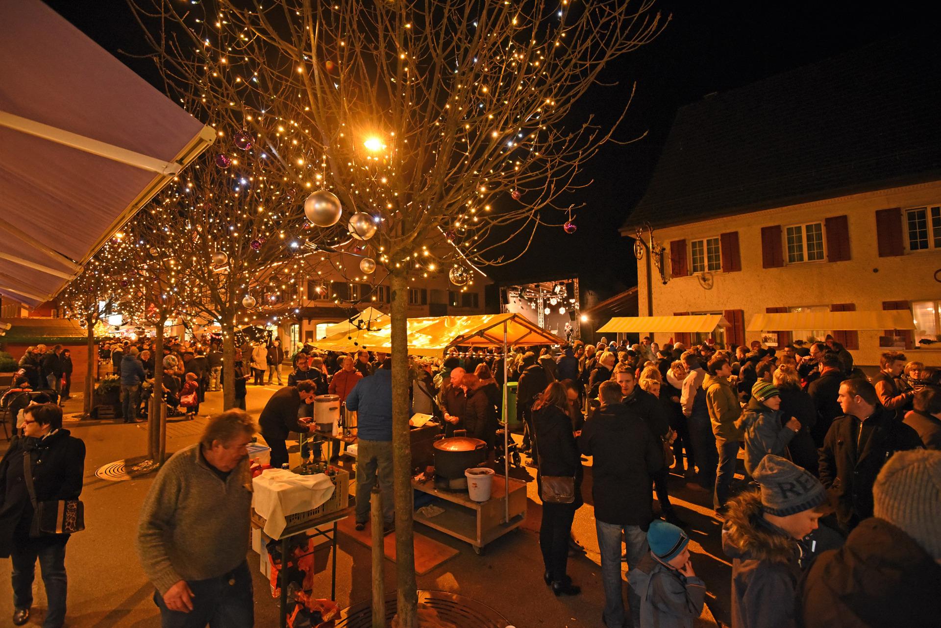 Weihnachtsmarkt Laufenburg.Verkauf Dienstleistungen Frick Laufenburg Adventsstimmung Und